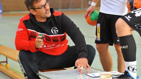 TVG-Neutrainer Bernd Dunstheimer beim Auftaktsieg.