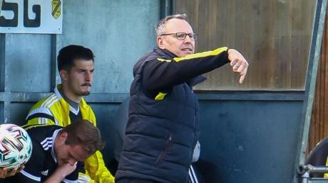 Hofft auf eine Leistungssteigerung: TSG-Coach Wolfgang Rückel.
