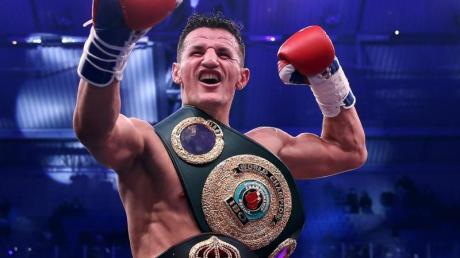 Robin Krasniqi wurde durch einen überraschenden K.o.-Sieg zum IBO-Weltmeister sowie Interims-Champion der WBAim Halbschwergewicht.