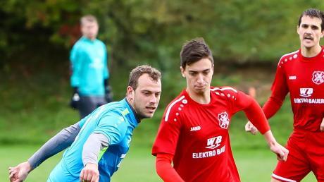Während der SC Feldkirchen (links Dominik Dobra) am Ligapokal teilnimmt, hat sich der FC Zell/Bruck (Daniel Vetter) zurückgezogen.