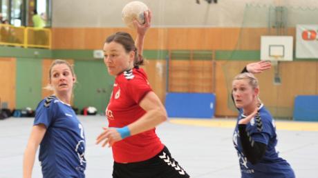 Tinni Wonnenberg und die Handballerinnen des TSV Aichach wollen den dritten Sieg im dritten Spiel. Die TSV-Männer müssen dagegen noch warten und sind gar nicht so traurig.