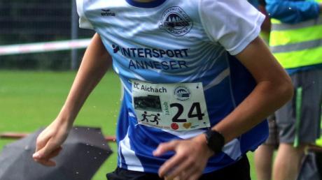 Jakob Schmaus ist U18-Bezirksmeister über 5000 Meter.