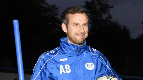 Arbeiten mit einem Lächeln: So versteht Athletiktrainer Anthony Barousse seine Tätigkeit beim SC Ichenhausen.