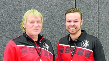 Nehmen auf der Trainerbank einen Tausch vor: Der bisherige Cheftrainer Herbert Vornehm (links) will verstärkt als Co-Trainer arbeiten, sein bisheriger Assistent Max Högl hingegen soll als Cheftrainer die finalen Entscheidungen treffen.