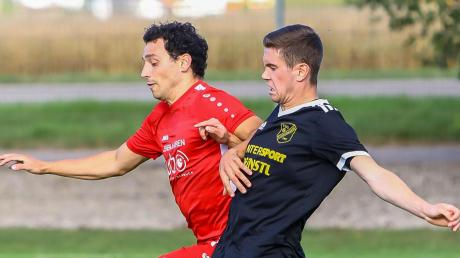 """Test- statt Punktspiel: Florian Fricke (rechts) und die TSG Untermaxfeld treffen am Samstag auf die """"Zweite"""" des FC Ehekirchen."""
