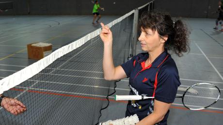 Über das Netz – da sollen die Bälle beim Badminton hin: Auch bei der routinierten Dillingerin Elke Cramer (Bild) klappt das in München nicht so richtig.