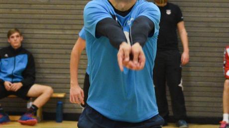 Florian Gnad feierte mit den Volleyballherren des VSC Donauwörth einen Sieg über Friedberg, gegen Bobingen aber setzte es eine Niederlage.
