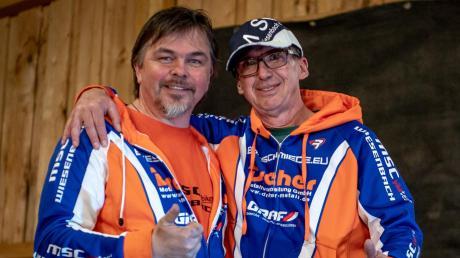 Anton Sieber (rechts) und Herbert Egger organisieren seit Jahren die Mountainbike-Rennen in Obergessertshausen.