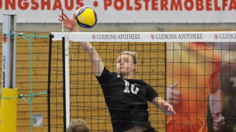 Die Friedberger Volleyballer (hier beim Auftakt gegen Zirndorf) haben ihr Spiel am Samstag abgesagt.