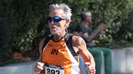 """In seinem Element: Für den Unterhausener Hans-Jürgen van Gemmeren ist das Laufen eine große Leidenschaft. Zuletzt legte er bei seinem """"Zugspitz-Lauf"""" 53 Kilometer zurück."""