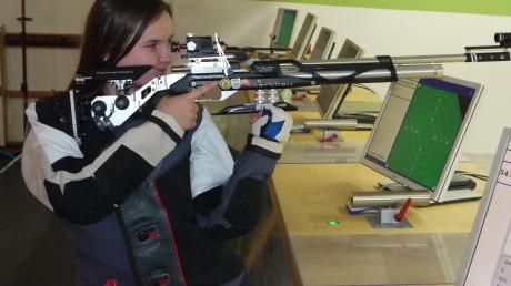 Laura Mair (Harthausen-Paar) erzielte in der Gauoberliga 390 Ringe. Jetzt müssen die Luftgewehrschützen erst einmal pausieren.