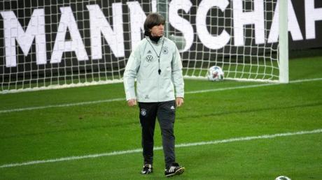Bundestrainer Joachim Löw versammelt die Nationalmannschaft in Leipzig um sich - und bereitet sich dort auf die Partien gegen die Ukraine, Spanien und Tschechien vor.