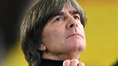 Joachim Löw führte die deutsche Nationalmannschaft zum WM-Titel. Doch der Ruhm ist verblast. Fraglich, ob er die Mannschaft bei der EM im kommenden Jahr noch motivieren kann.