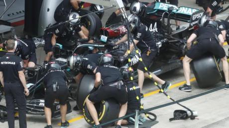 Die am härtesten arbeitenden Menschen in der Formel 1 sind die Monteuere und die Mechaniker.
