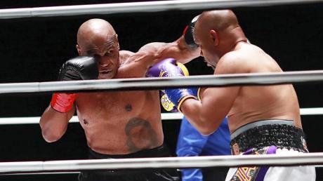 Mike Tyson dominierte über weite Teile des Kampfes Roy Jones junior. Am Ende gewann er aber trotzdem nicht.