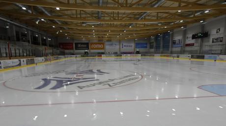 Meistens leer präsentiert sich die Eisfläche in Burgau in diesem Spätherbst 2020. Die einzige Ausnahme vom Sportverbot bietet der Schulsport.