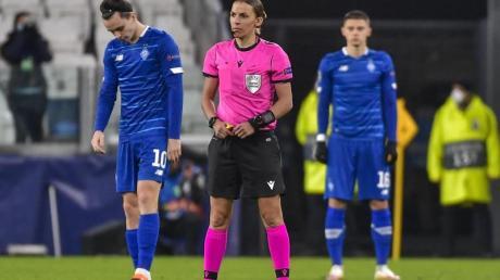 Schiedsrichterin Stéphanie Frappart leitete die Partie zwischen Juventus Turin und Dynamo Kiew.