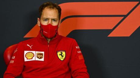 Sebastian Vettel bei seiner letzten Ferrari-Pressekonferenz vor einem Rennen.