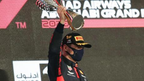 Red-Bull-Pilot Max Verstappen hat den Saisonabschluss in Abu Dhabi gewonnen.