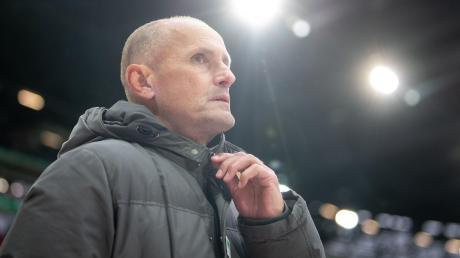 Zuletzt selten erfolgreich: Trainer Heiko Herrlich steht mit dem FC Augsburg in Bielefeld unter Druck.