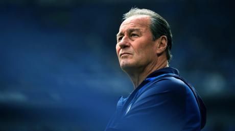 Zum vierten Mal Huub Stevens: Die Klub-Ikone soll es für die Schalker auch im DFB-Pokal gegen Ulm richten.