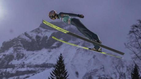 Die Generalprobe für die Vierschanzen-Tournee steigt in der Schweiz, aber ohne Skiflug-Weltmeister Karl Geiger.