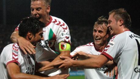 Sören Dreßler bejubelt 2006 als FCA-Kapitän den Zweitliga-Sieg über den TSV 1860 München. 2008 wechselt Dreßler zum FC Ingolstadt, 2010 beendet er seine Karriere als Profifußballer.