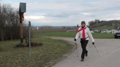 6,8 Kilometer auf den Hügeln der Aschberg-Region geht es von Holzheim nach Aislingen. Im Bild die Glötterin Anni Hörmann beim Testlauf.