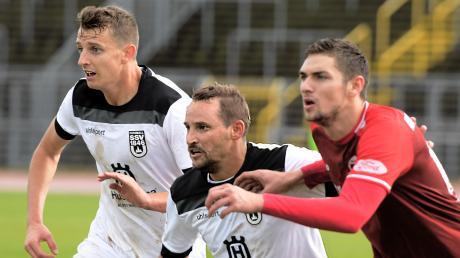 Anton Fink (Mitte) hat es seit seinem Wechsel im vergangenen Sommer noch nicht geschafft, sich beim SSV Ulm 1846 Fußball durchzusetzen.