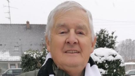 """Er schwärmt von """"seiner"""" Eintracht: Ein treuer Fan seit 1960 ist Josef Stix aus Unterthürheim."""
