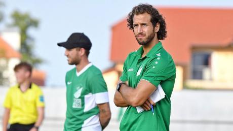 Werden nur noch bis zum Saisonende die Geschicke beim SV Karlshuld leiten: Die beiden Spielertrainer Nico Ziegler (vorne) und Claudio Maritato (hinten).