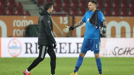 Zwei, die sich mögen und auch aus der polnischen Nationalmannschaft gut kennen: Robert Lewandowski und Rafal Gikiewicz.
