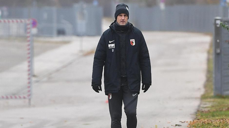 Auf Trainer Heiko Herrlich wartet eine anspruchsvolle Aufgabe. Gegen Union Berlin soll er den Abwärtstrend des FC Augsburg stoppen und zur Beruhigung der Lage beitragen.