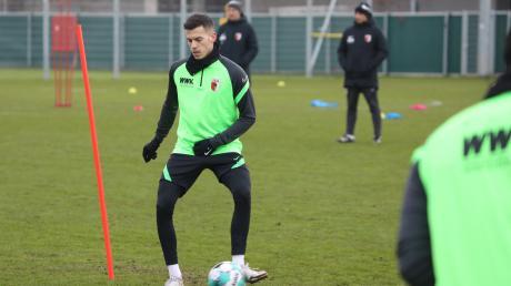Laszlo Benes soll im Mittelfeld des FC Augsburg nun die Fäden ziehen. Der Linksfuß wurde am letzten Tag der Transferperiode von Borussia Mönchengladbach geholt.