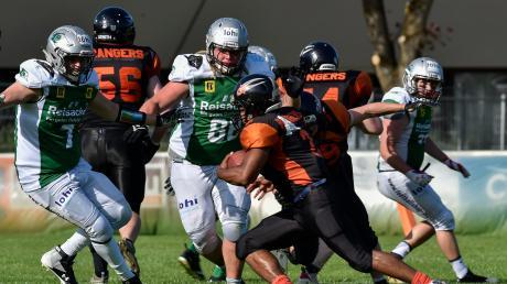 Norman Loos-Zettler (Mitte, Nummer 88) spielt seit 2012 beim Football-Regionalligisten Landsberg X-Press. Der 29-jährige Ramminger ist dabei einer der zentralen Defensivspieler.