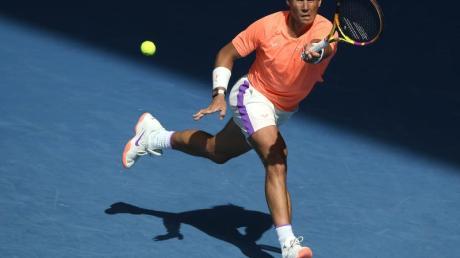 Steht nach einem klaren Sieg über Fabio Fognini im Viertelfinale: Rafael Nadal in Aktion.
