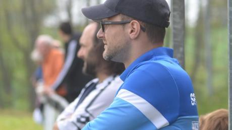 Damir Mackovic (rechts) wird neuer Trainer beim Bezirksligistenb SV Türkgücü Königsbrunn. Der 40-Jährige ist Nachfolger von Burak Tok (links), der bisher als Spielertrainer das Team geführt hat und sich nun mehr auf seine Aufgaben auf dem Platz kümmern soll.