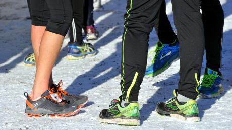 Auf Schneeuntergrund oder bei Frühlingsbedingungen: Die Tennisaktiven des FCG laufen und laufen und laufen.