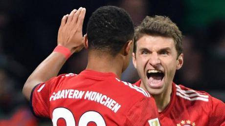 Serge Gnabry und Thomas Müller gehören wieder zum Kader.