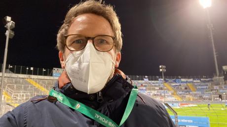 """Michael Stifter schreibt normalerweise für uns über Politik und Wirtschaft. Nun hat er einen Selbstversuch unternommen und mal wieder ein Spiel """"seines"""" TSV 1860 München besucht."""