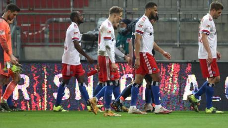 Die Spieler des Hamburger SV waren nach der Niederlage gegen den FC St. Pauli bedient.