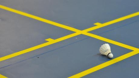 Kein Federball fliegt mehr, die Saison ist abgebrochen: Wegen der Corona-Einschränkungen kann seit November beim TV Dillingen und VfB Bächingen nicht mehr Badminton gespielt werden.