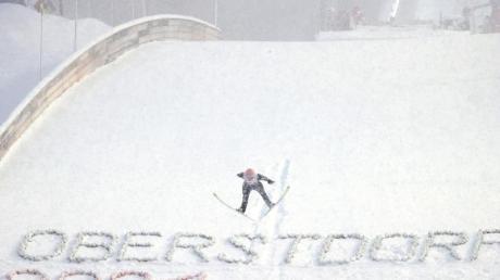 Im Teamwettbewerb haben die deutschen Springer bei der WM in Oberstdorf gute Chancen aufs Treppchen.