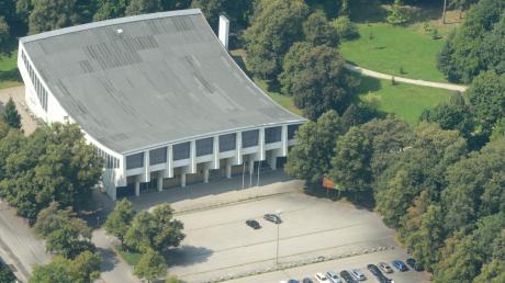 Die Erhard-Wunderlich-Halle ist ein beeindruckendes Baudenkmal aus den 60er Jahren. Doch um darin weiter Sport mit Zuschauern treiben zu können, sind umfangreiche Sanierungsmaßnahmen nötig.