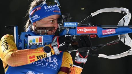 Die deutsche Biathlon-Mixed-Staffel um Vanessa Hinz kämpft in Nove Mesto um eine gute Platzierung.