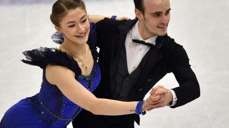 Die deutschen Eistänzer Katharina Müller und Tim Dieck wollen sich einen Olympia-Startplatz sichern.
