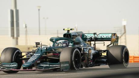 Sebastian Vettel konnte am Sonntag nur wenige Glanzpunkte setzen. Schon die Qualifikation ging völlig daneben, im Rennen wurde es nicht viel besser. Hier fuhr er auch noch dem Alpine von Esteban Ocon ins Heck.