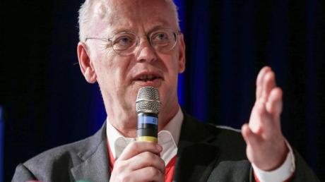 Strebt eine fünfte Amstzeit als Präsident des Bundes Deutscher Radfahrer an: Rudolf Scharping.