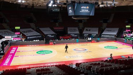 Dass keine Zuschauer in den Audi-Dome dürfen, das war ohnehin klar. Letztlich blieb die Halle ganz leer, die Liga sagte das Pokalturnier in München wegen zwei Corona-Fällen bei Göttingen komplett ab.
