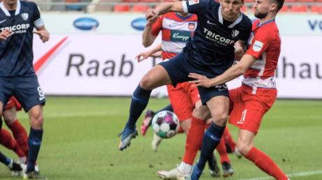Der VfL Bochum mit Torschütze Robert Tesche festigte mit einem Sieg in Heidenheim Platz eins.
